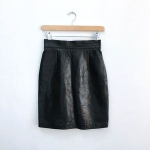 Danier Lambskin leather skirt - size 4